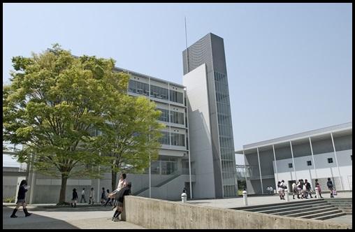 ONE OK ROCK Takaが英語を話せる理由!留学なしでこの発音は異常?慶應義塾湘南藤沢中等部(SFC中等部)