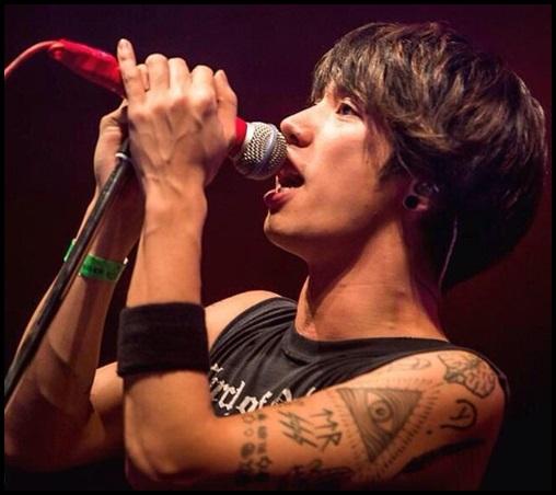 ONE OK ROCK Takaのタトゥー画像まとめ!意味に込められた想いが…左腕