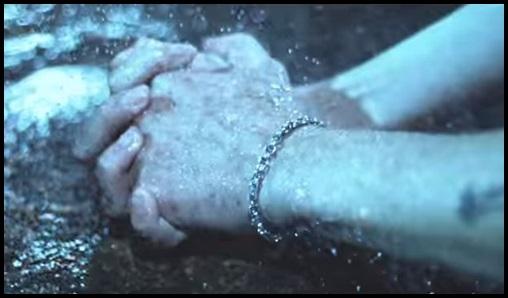 掴んだ腕,ONE OK ROCKのCry outの歌詞と和訳!PVに隠された意味がヤバい…
