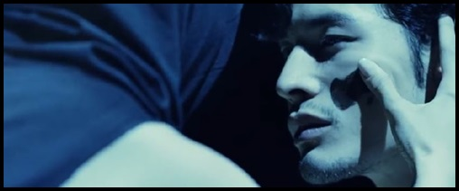 ONE OK ROCK【The Way Back】PVの意味!白マイクや出演者に秘密が?顔に汚れ