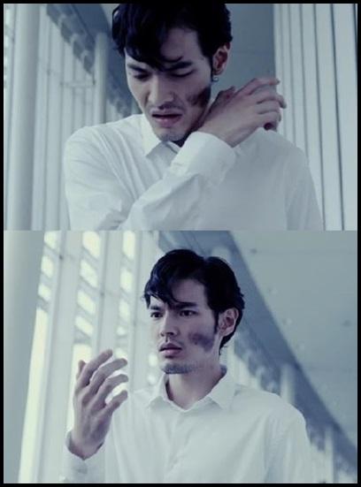 ONE OK ROCK【The Way Back】PVの意味!白マイクや出演者に秘密が?顔に汚れに驚く