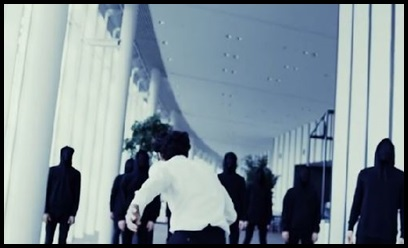 ONE OK ROCK【The Way Back】PVの意味!白マイクや出演者に秘密が?逃げる方向が…