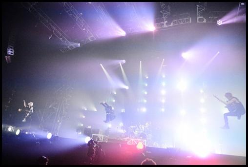ONE OK ROCK 35xxxv(DVD)の感想!売上ランキングは意外な結果に?1