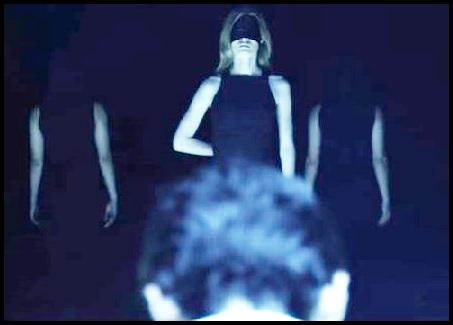 ONE OK ROCK【The Way Back】PVの意味!白マイクや出演者に秘密が?覆面の黒幕?