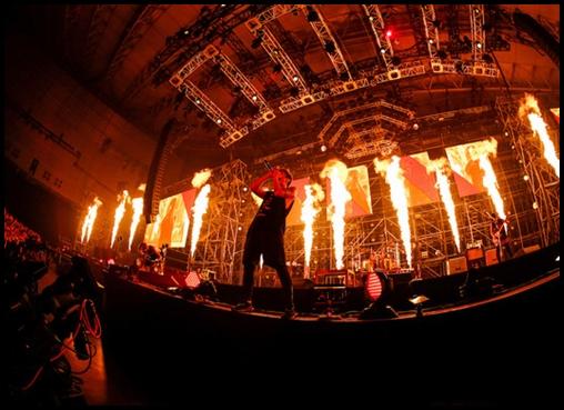 ONE OK ROCKの海外ライブは日本人だらけ?チケットの売上や人気は?